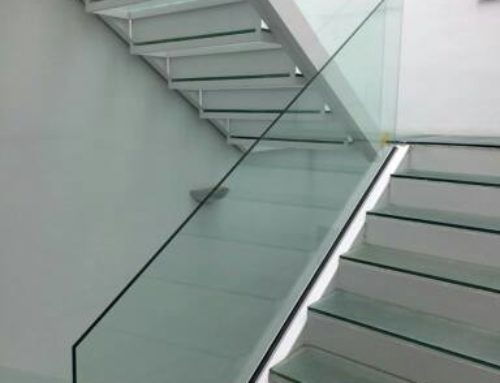 Spectacular glass staircase – Aramar Supplies for Glass